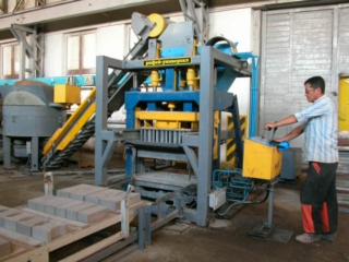 Line for the production of vibropressed concrete products